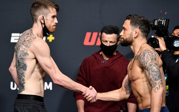 Image for Cory Sandhagen knocks Frankie Edgar out with Flying Knee